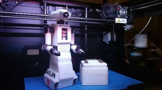Primul robot imprimat 3D